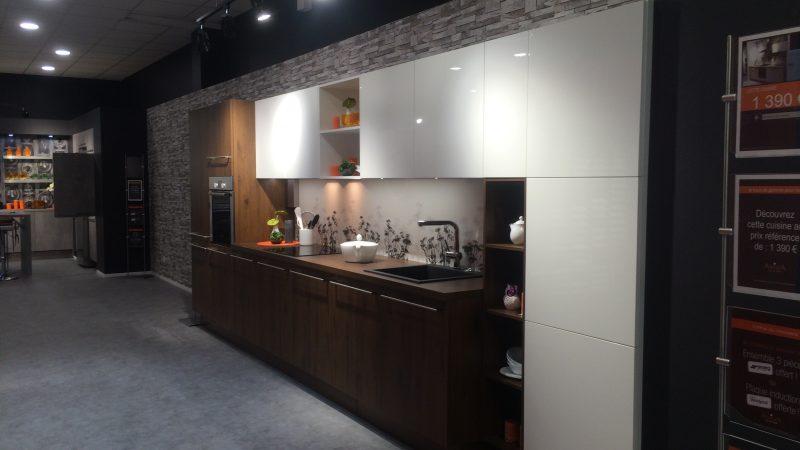 ouverture magasin bourgoin jallieu franchise cuisines aviva. Black Bedroom Furniture Sets. Home Design Ideas