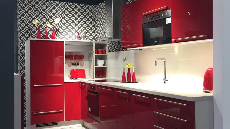 nouveau magasin des cuisines aviva saint malo. Black Bedroom Furniture Sets. Home Design Ideas