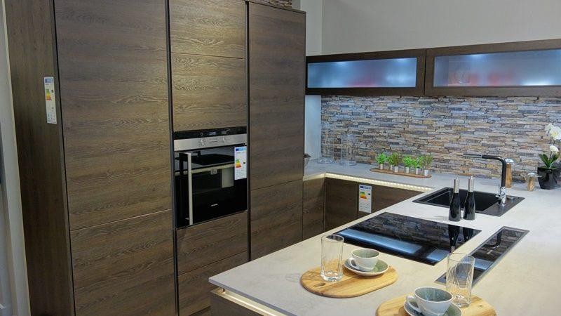 aviva centre ville franchise cuisines aviva. Black Bedroom Furniture Sets. Home Design Ideas